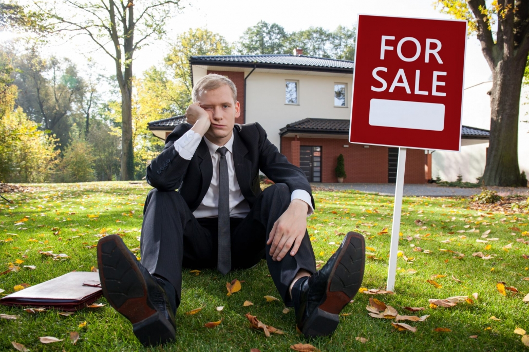 Before and after virtual staging imagery: As-is property selling