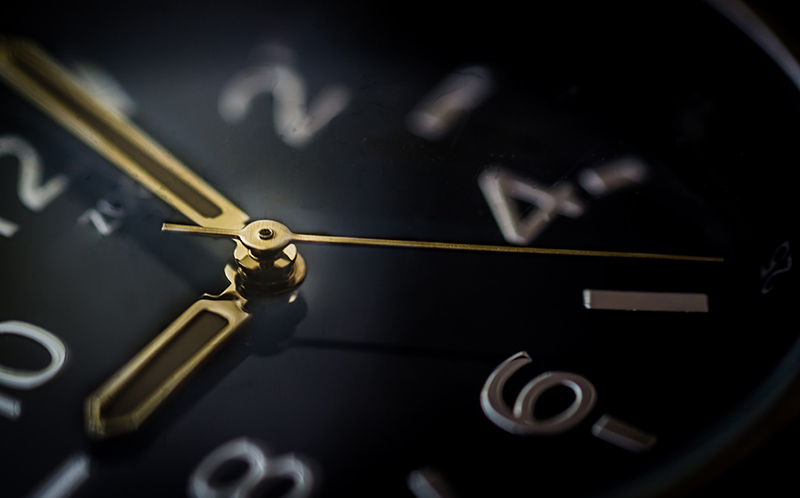 A Clock Measuring Time for Virtual Staging