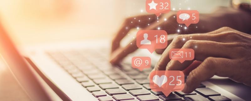 A Real Estate Agent Using Ten Social Media Marketing Tips